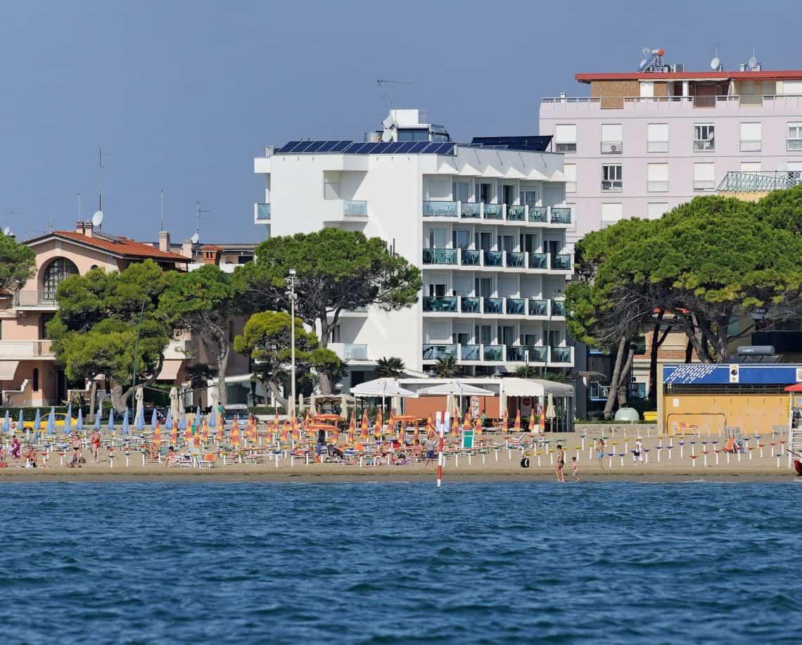 A helyszín a hotel - kilátással a tengerre